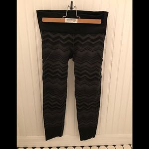 Lululemon Black/Gray Leggings Tights Size 6